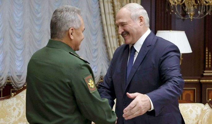 Лукашенко попросил у Шойгу новое оружие