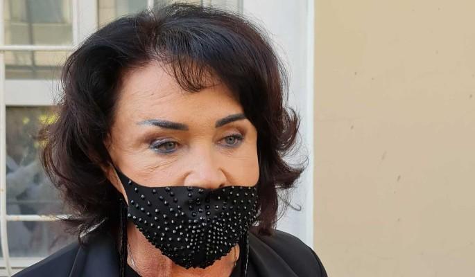"""""""Я все сказала семье!"""": переболевшая коронавирусом Бабкина вспылила у гроба Борисова"""