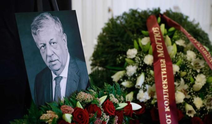 Красавец-сын блеснул на похоронах Борисова