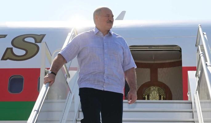 Журналист: Жизнь Лукашенко сейчас полностью зависит от пиарщиков и силовиков