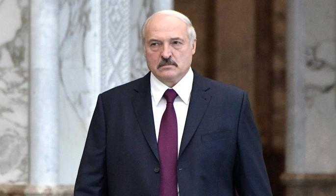Передовые умы бегут из Белоруссии из-за Лукашенко: Черная Луна над страной