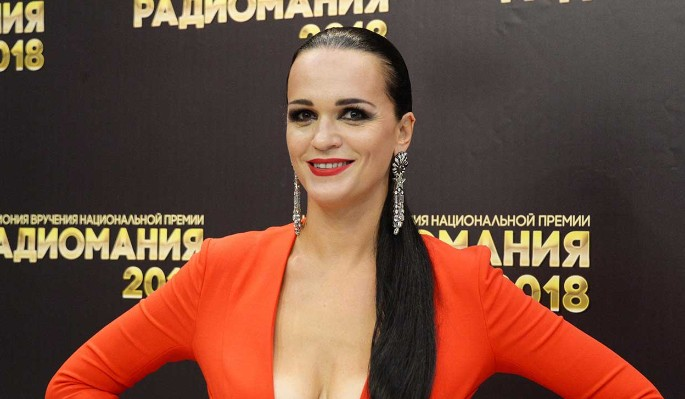 Певица Слава разразилась нецензурной бранью в адрес Тимати