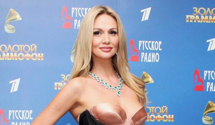Появилась информация о разводе Виктории Лопыревой