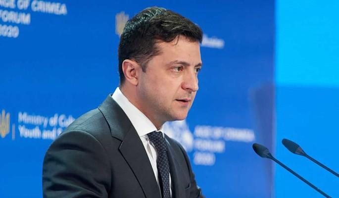 Эксперт: Зеленский решил уйти в отставку, можно провести досрочные выборы