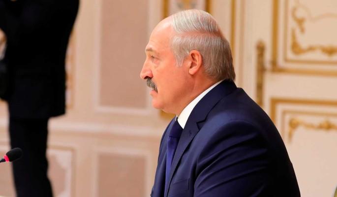 Освобождение политзаключенных в Белоруссии назвали подачкой обществу