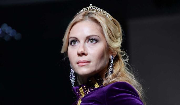 Потерявшая близкого человека известная актриса сообщила о побеге из России