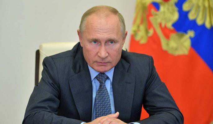 Путин об отравлении Навального: Могли бы не выпускать