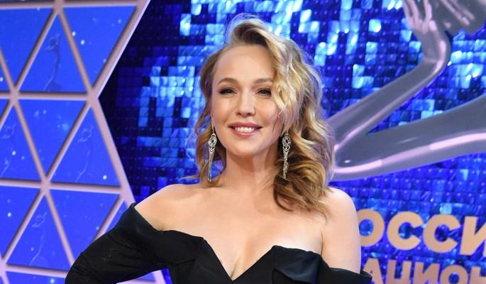 Джанабаева призналась в сильных чувствах к известному актеру