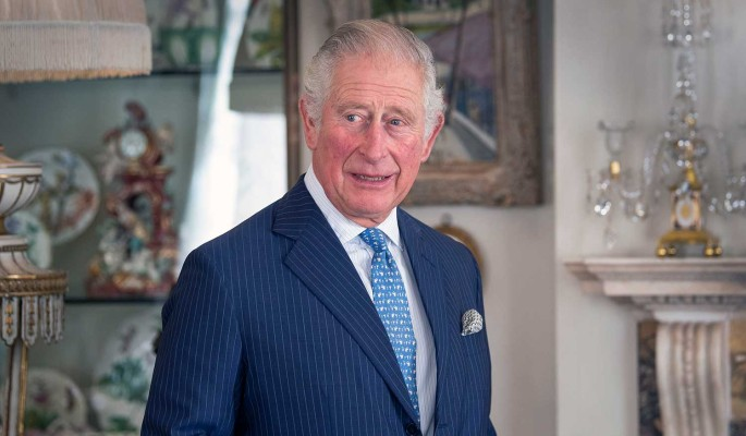 Стало известно о похищении принцем Чарльзом короны Елизаветы II