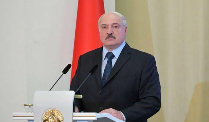 Политолог заявил о шатком положении Лукашенко: Висит над пропастью