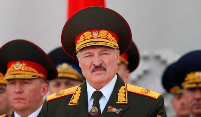 Лукашенко заговорил о войне с НАТО: Будем сражаться до последнего белоруса