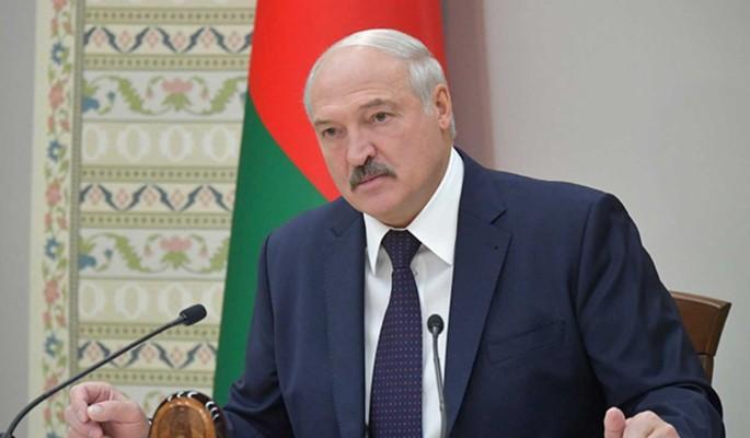 Лукашенко пригрозил расправой протестующим: Нам отступать некуда