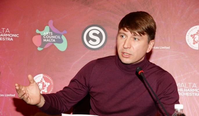 Ягудин защитил опозорившуюся Бузову от разъяренной толпы