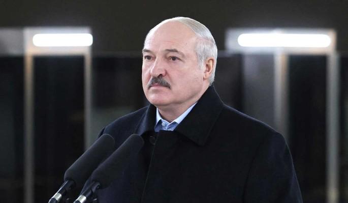 Белорусский политик: Лукашенко придется на весь мир признать шизофрению
