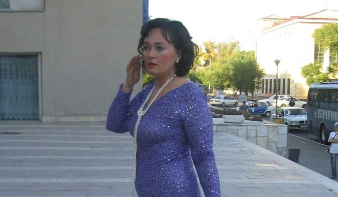 """""""Очень похожи с Успенской"""": дочь Гузеевой затравили за несуразный наряд"""