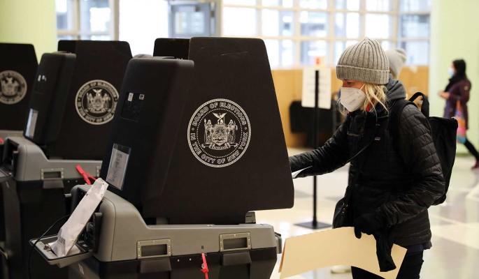 Американский активист: Избирательная система США служит интересам богатых и влиятельных