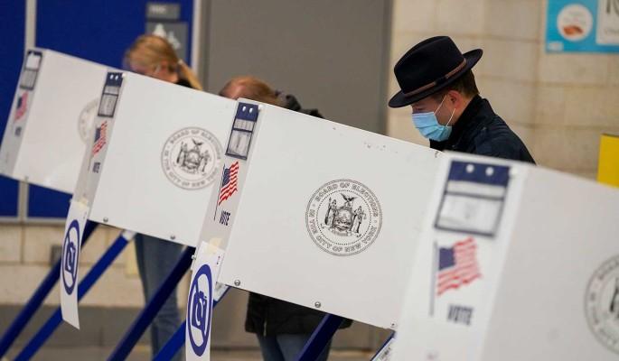 Политологи прогнозируют дальнейший упадок политической системы США