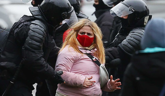 Журналист описал обстановку в Минске: На улицах грязно, тюрьмы переполнены