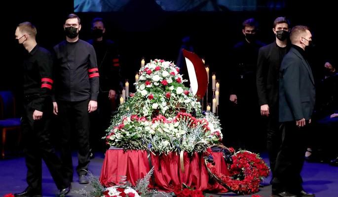 """""""Это убийство!"""": Рудинштейн у гроба Джигарханяна назвал виновника смерти"""
