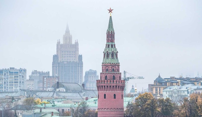 """В Кремле отреагировали на слухи о """"внебрачной дочери"""" Путина"""