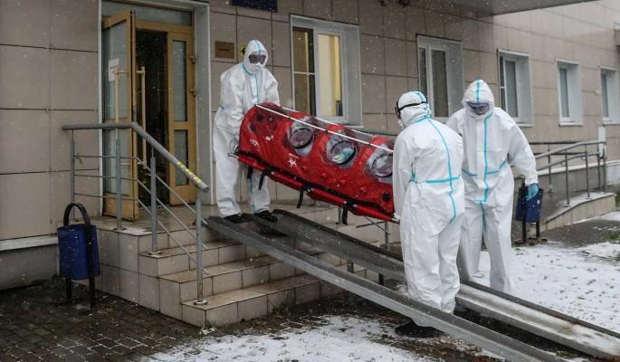 Суточный прирост заболевших COVID-19 в России составил 25,4 тысячи
