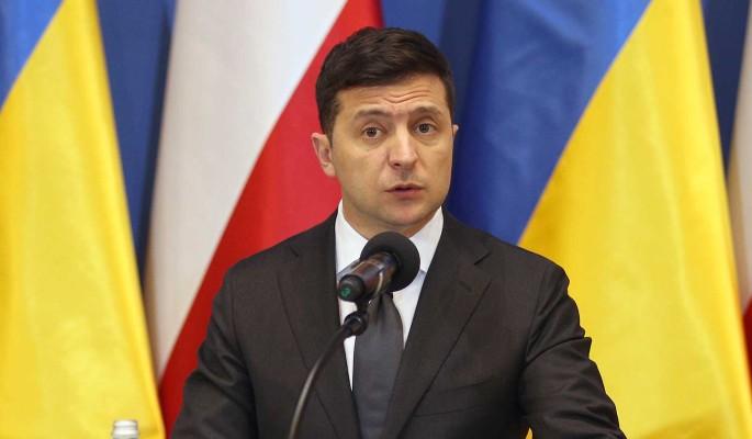 Зеленскому предложили уйти в отставку в новогоднюю ночь: Сделайте украинцам подарок