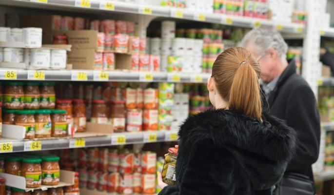 Цены на продукты в России взлетели в три раза быстрее