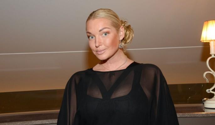 Голая Анастасия Волочкова без купальника шокировала публику