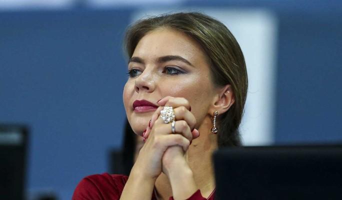 Неожиданное фото Кабаевой после слухов о родах всполошило народ