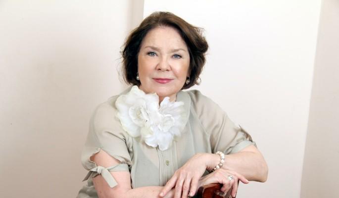 Артистка  Лариса Голубкина угодила  в клинику  спереломом ноги