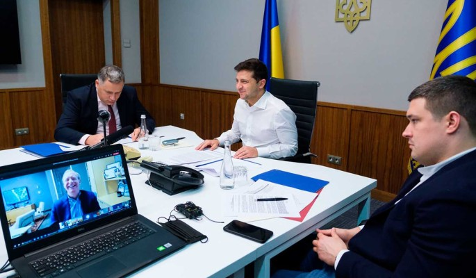 Ситуация на Украине вышла из-под контроля Зеленского  политолог