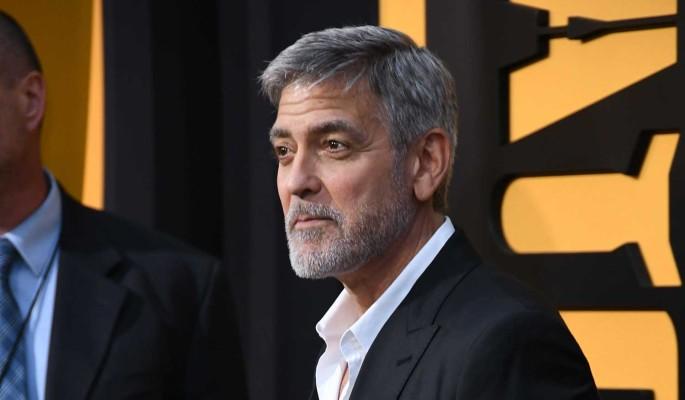 """""""Ради нашего брака больше никогда не буду так поступать"""": отношения Клуни оказались под угрозой"""