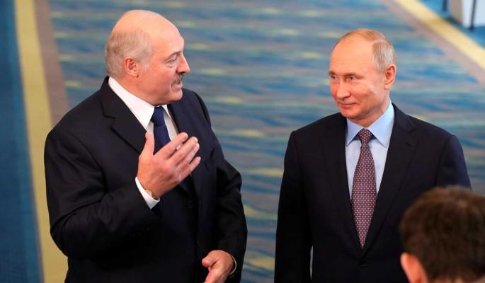 """""""Просто отсрочка долговой ямы"""": Лукашенко не увидит денег от Путина"""