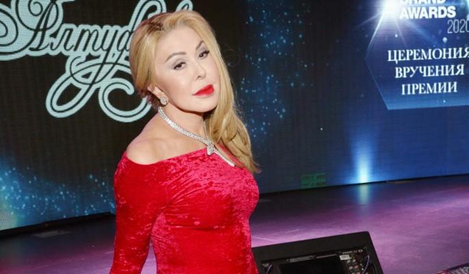 Успенская призналась в чувствах к женатому красавцу: В Новый год с надеждами