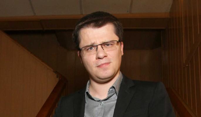 """""""Каждый зарабатывает, как может"""": Харламов поглумился над Куценко"""