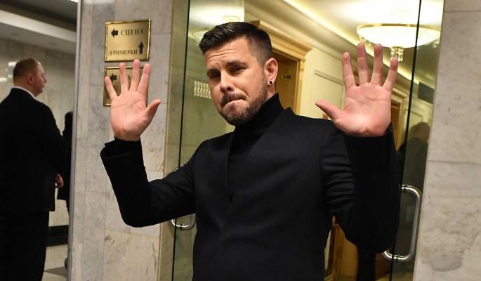 Латвийский певец Интарс Бусулис поздравил читателей
