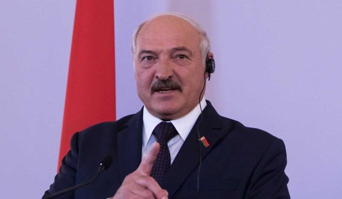 Лукашенко рассказал об изменении Конституции: Свою власть продлевать не буду