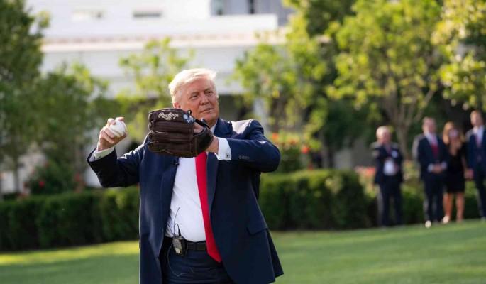 """Трамп """"потерял рассудок"""" из-за пожизненной блокировки в Twitter"""
