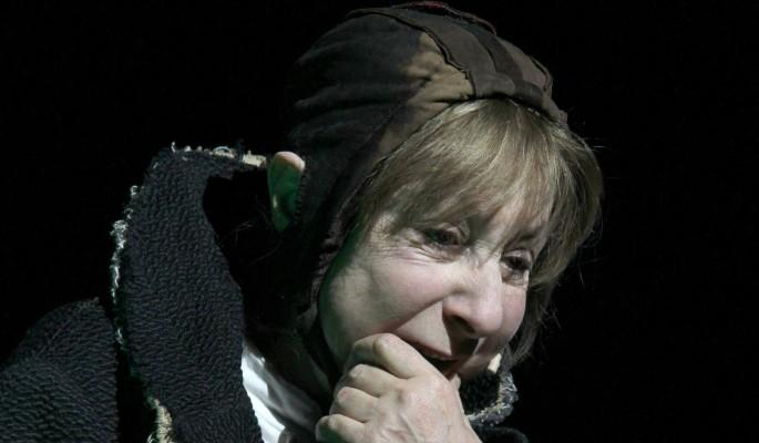 82-летняя Ахеджакова экстренно госпитализирована с подозрением на коронавирус