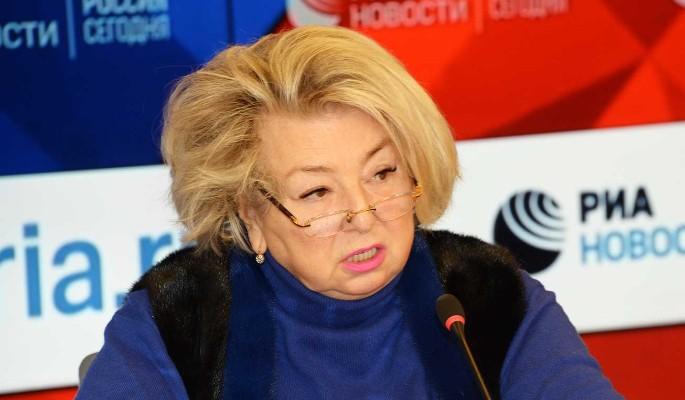 Тарасова отказалась признавать Плющенко тренером после скандала с особняками