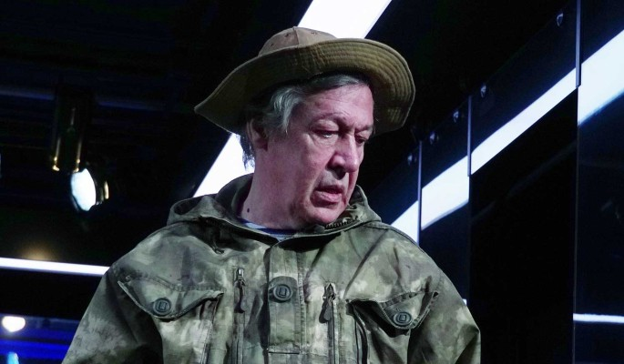 """""""Начинает жизнь с нуля"""": отсидевший за убийство сын Ливанова порадовался за зека Ефремова"""