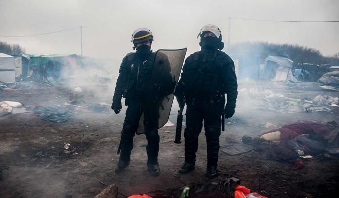 Мигранты подожгли полицейский участок в Брюсселе