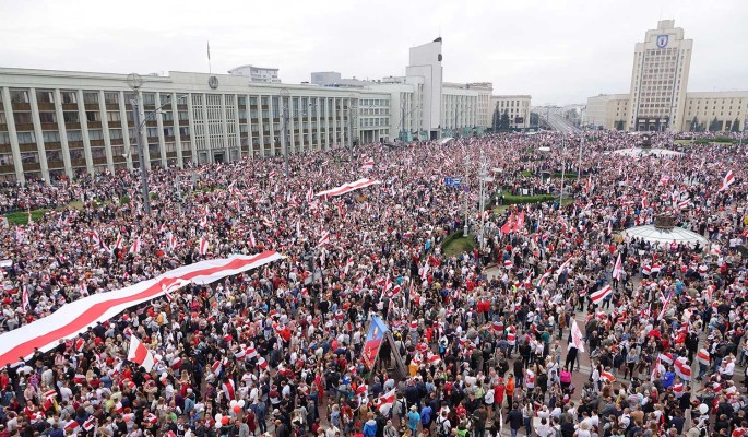 Эксперт Межуев оценил вероятность революции в Белоруссии при Байдене