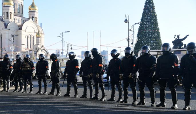 Организаторы митингов используют детей как живой щит – политолог Гусев