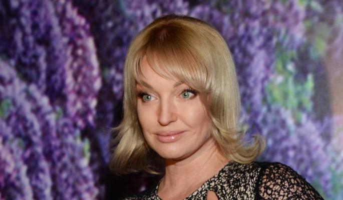 """""""Огонь перегорел"""": Волочкова заявила о расставании с таинственным возлюбленным"""