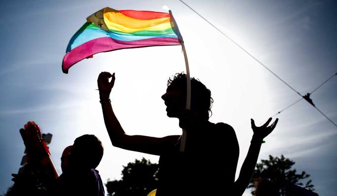 Гей-парад под видом панихиды: подробности похорон умершего от анального разрыва Шевчука