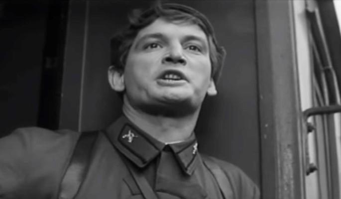 """Как фильм """"Офицеры"""" помирил враждующих Ланового и Юматова: интересные факты о легендарной картине"""