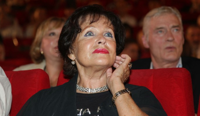 86-летняя Наталья Фатеева выживает с помощью костылей