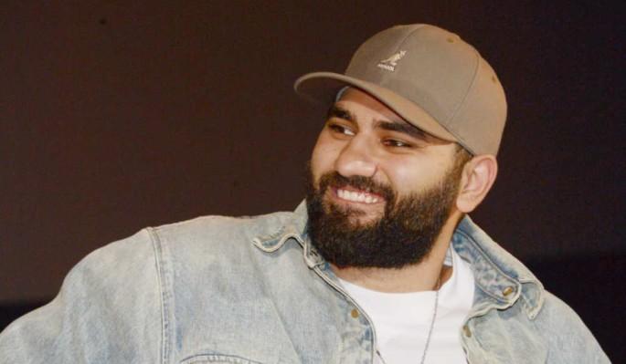 Избитая в ночном клубе поклонница рэпера Navai показала изуродованное лицо