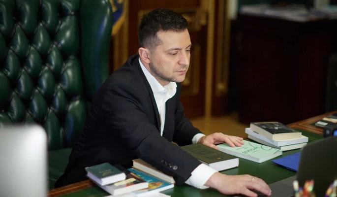 """Зеленского предупредили об """"ужасающих"""" последствиях отказа от российской вакцины"""